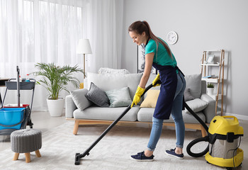 Different Types of Carpet Cleaners for Sparkling Floor Every Woman Must Have